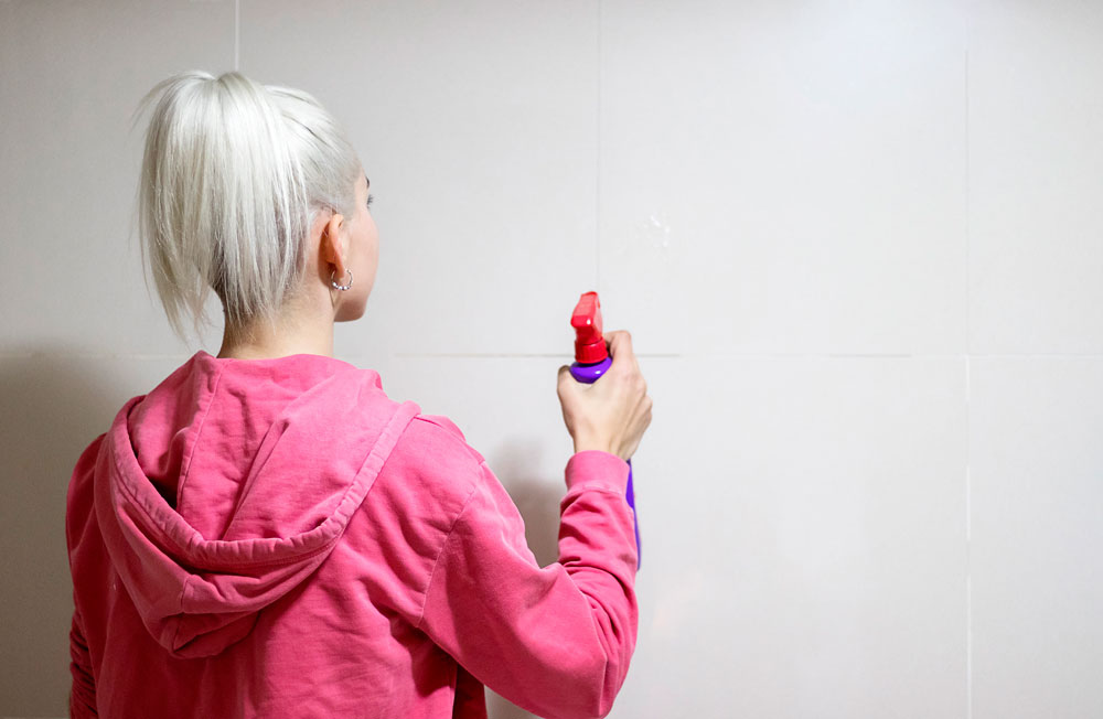How to clean the walls quickly and easily